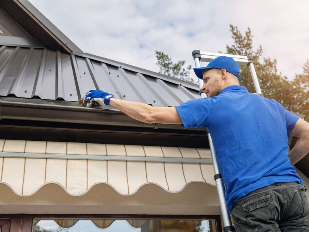 5 reasons to stop putting off gutter cleaning
